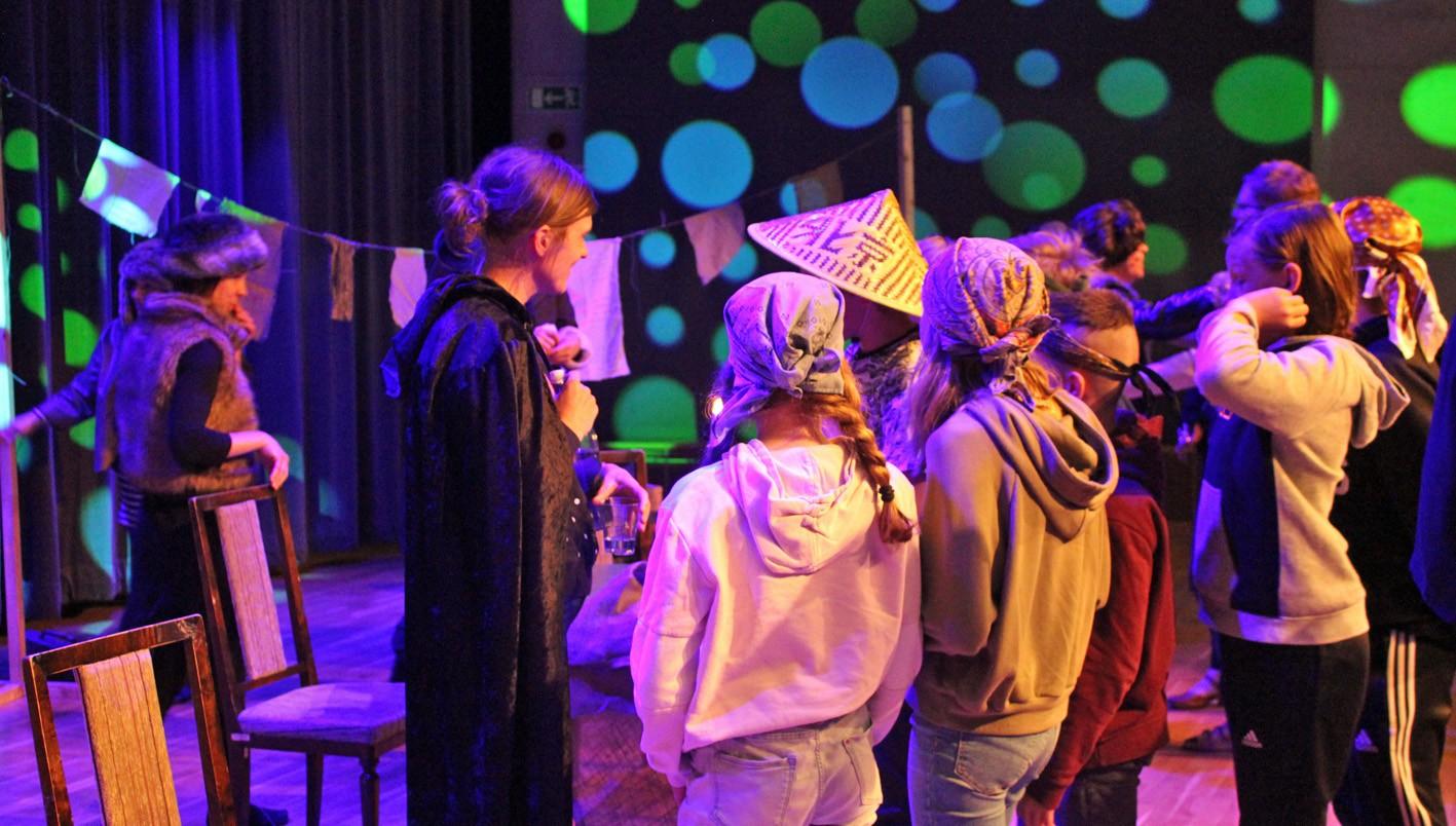 Elever i årskurs 5 får träffa författaren Frida Nilsson